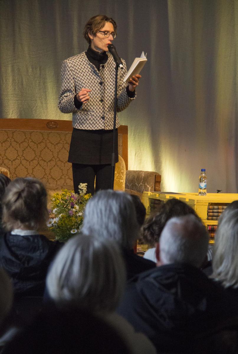 (Claus Beck) Madame Nielsen Bokdagars scen 2015