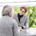 (Claus Beck) Madame Nielsen signerar på Bokdagar i Dalsland